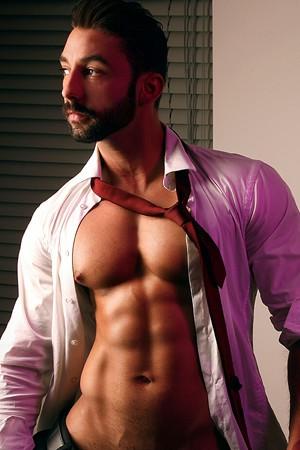 Muscular Male London Escort Darius