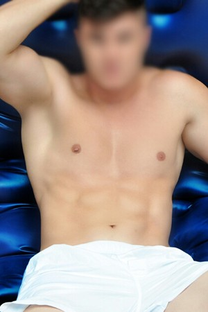 Male Escort for Couples Threesomes