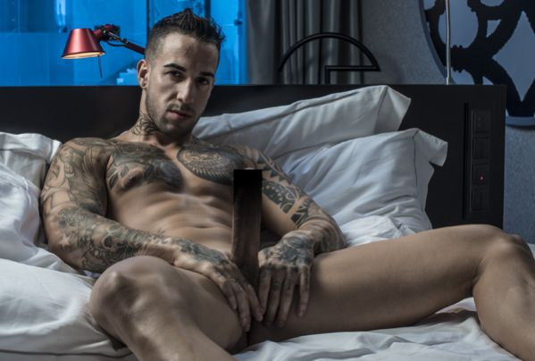 Horny Young London Gay Escort Boy